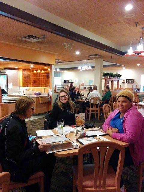 Village Inn - LOH and TNDR 02-09-2016 (5)